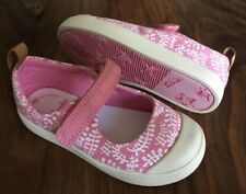 Clarks baby girl pink canvas shoes size 6G New.