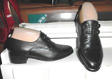 LNC* Sz 6  LAURA SCOTT; Black Soft Leather w Button / Loop Closure; Oxford Shoes