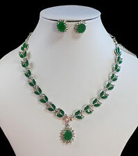 Stunning, Green Rhinestone & Diamante Necklace & Earrings (NB020)