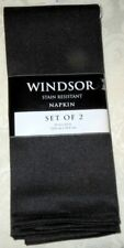 2 NEW WINDSOR BLACK HERRINGBONE STAIN RESISTANT POLYESTER DINNER TABLE NAPKINS