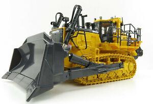 First Gear 50-3426 Komatsu D375A-8 Crawler Dozer with Ripper Scale 1:50