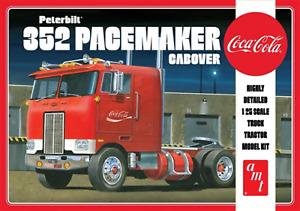 AMT1090 Peterbilt 352 Pacemaker Coca Cola 1:25 Scale Plastic Model Kit