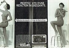 PUBLICITE ADVERTISING 0217  1984   Olympus (2p) appareil photo quick Flash nue