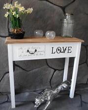 Möbel im Landhaus-Stil aus Massivholz fürs Wohnzimmer