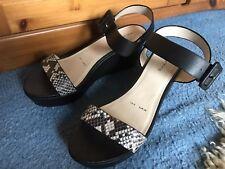 Redherring Womens Wedge Shoes 6 snake pattern