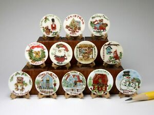 Hand painted Christmas plate collection, Sue Welther, dollhouse miniature, 1:12