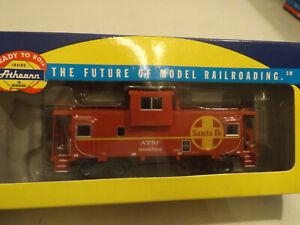 HO Athearn Santa Fe caboose in original box, #999769