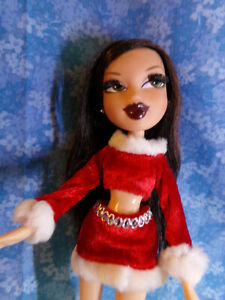 BRATZ FASHIONS ORIGINAL VINTAGE FROM FACTORY CHRISTMAS HOLIDAY OUTFIT 2008