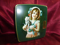 Vintage TIN Ringtons / Fox's Biscuits LOVING COUPLE Biscuits - Food Advertising