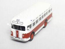 ZIS 155 BUS  ( 1949 )  -- 1/72 -- IXO/IST -- NEW