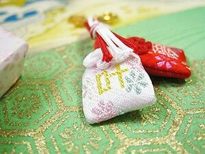 JAPANESE OMAMORI Charm Good luck Dream come true from Japan Shrine Red
