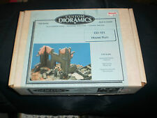 CUSTOM DIORAMICS 1/35 SCALE PLASTER HOUSE RUINS  CD 101