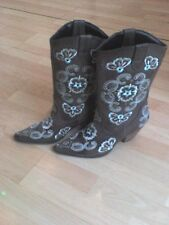 Cowboy Boots, brown leather with turquoise & cream embroidery detailing, size 8.