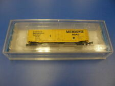 C-8 Like New Graded N Scale Model Train Carriages