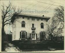 Press Photo The historic Barnes House on Captains Row in Mariners Harbor