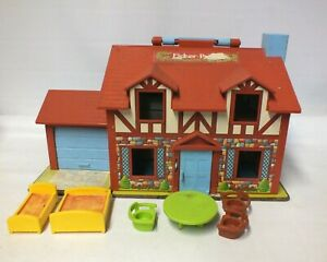 Vintage 1980 Fisher Price Tudor Family House Dolls House Toy & Furniture (Hol)