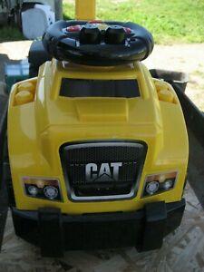 Mega Bloks - CAT 3-In-1 Ride-On - Yellow ~ Toddler Ride On Toy w/Excavator Arm