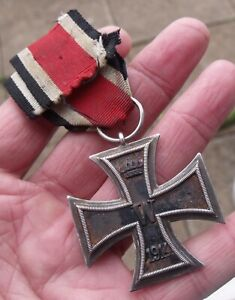 ORIGINAL FULL SIZE WW1 GERMAN 1914 IRON CROSS MEDAL, WW2 PERIOD RIBBON.