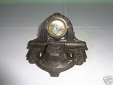 VINTAGE DETAILED ORNATE CAST METAL PEN & INKWELL HOLDER WITH ROUND PHOTO