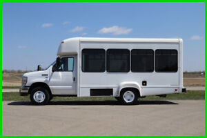 2014 Ford E-350 10 Passenger Paratransit Shuttle Bus