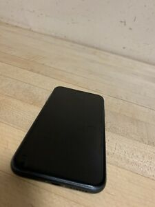Apple iPhone 11 - 64GB - Black For Parts Only