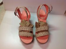 Crocs Leigh Graphic Wedge Stucco/Tumbleweed Womens Size 7 - New