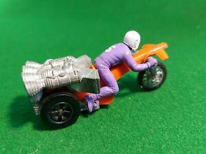 Hot Wheels Red Lines Rrrumblers ROAMIN CANDLE Motorcycle Trike redline