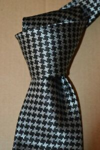 """$260 NWT TOM FORD Grey w/ Black houndstooth men's 3.6"""" lux woven SILK tie Italy"""