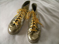 Enyce  Womens Hi Top Fashion Sneakers, Gold/Silver  size: US 8-8 1/2