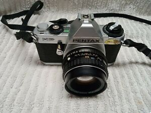 vintage 1981 Pentax MG 35mm MF SLR Film Camera  + Lense