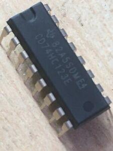 2no Texas Instruments CD74HC123E, Dual Monostable Multivibrator