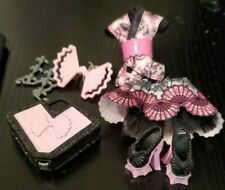 Monster High Draculaura Monster Exchange Clothes and Accessories
