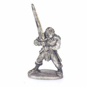 Barbarian Hero With 2 Handed Sword 28mm Unpainted Metal Wargames