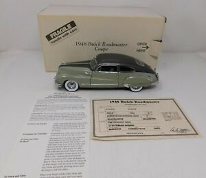 1/24 Danbury Mint 1948 Buick Roadmaster sedan in cumulus gray and nickel gray