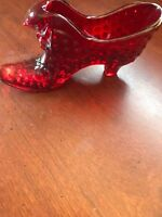 FENTON GLASS RUBY RED HOBNAIL SHOE WITH CAT