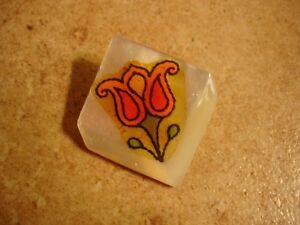 Large Mother of pearl button with tulip flower