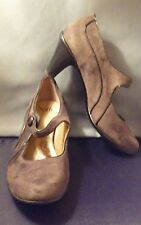 Sofft Brown Suede Mary Jane Heels Size 9M Excellent Previously Owned Condition