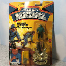 1988 MATTEL MEN MEDAL MOC ACTION FIGURE BADGE AIR FORCE COMMANDOS PARATROOPER US