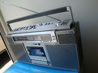 Sony CFS-D7 Boombox Dolby. Powerful Sound. Vintage