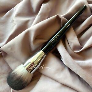 Sephora #91 PRO Featherweight Powder Brush brand new (huge soft brush)
