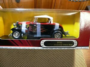 Road Signature 1:18 Scale Diecast ; 92249 1932 ford roadster rod