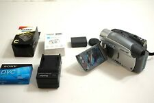 SONY DCR-HC26 Handycam digital camcorder with NEW battery and charger ~ WORKS!!