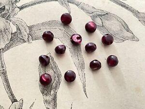 12 petits boutons ronds anciens en verre Bordeaux  / Mauve - Mode Couture