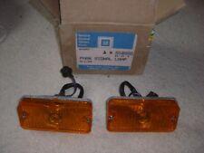 2 NOS GM 1967-88 CHEVY / DODGE / WINNABEGO AMBER PARK LAMP ASSEMBLIES # 916588