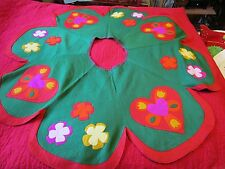 "Felt Green Christmas tree Skirt 50"" 6 Panel PA Dutch 1960's Hand-stitched tulips"