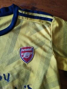 Adidas Arsenal football kit fits 9/10/11.used but still good