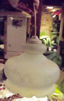 Ancienne suspension verre déploie teinté décor de roses vintage rétro