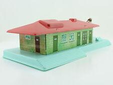 Blech/Kunststoff - Warenhaus Lagerhaus mit Kran von HWN für H0 oder TT - 60'er