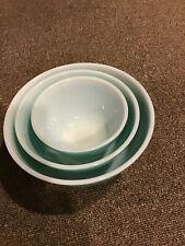 VINTAGE PYREX OVENWARE GLASS MIXING BOWL SET - NEST OF 3  401, 402, 403