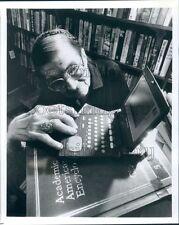 1992 Marguerite Boos Okracoke NC Librarian Sony Data Discman E Book Press Photo